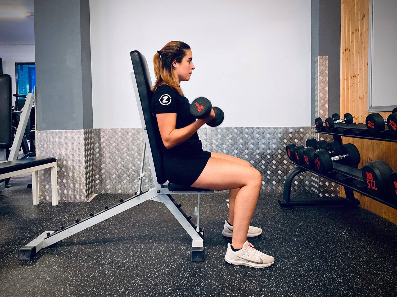 Rutina d'exercicis cos complet per a fer al gimnàs