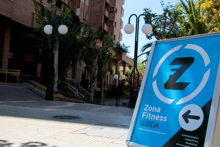 entrada exterior gimnàs Zona Fitness Lleida