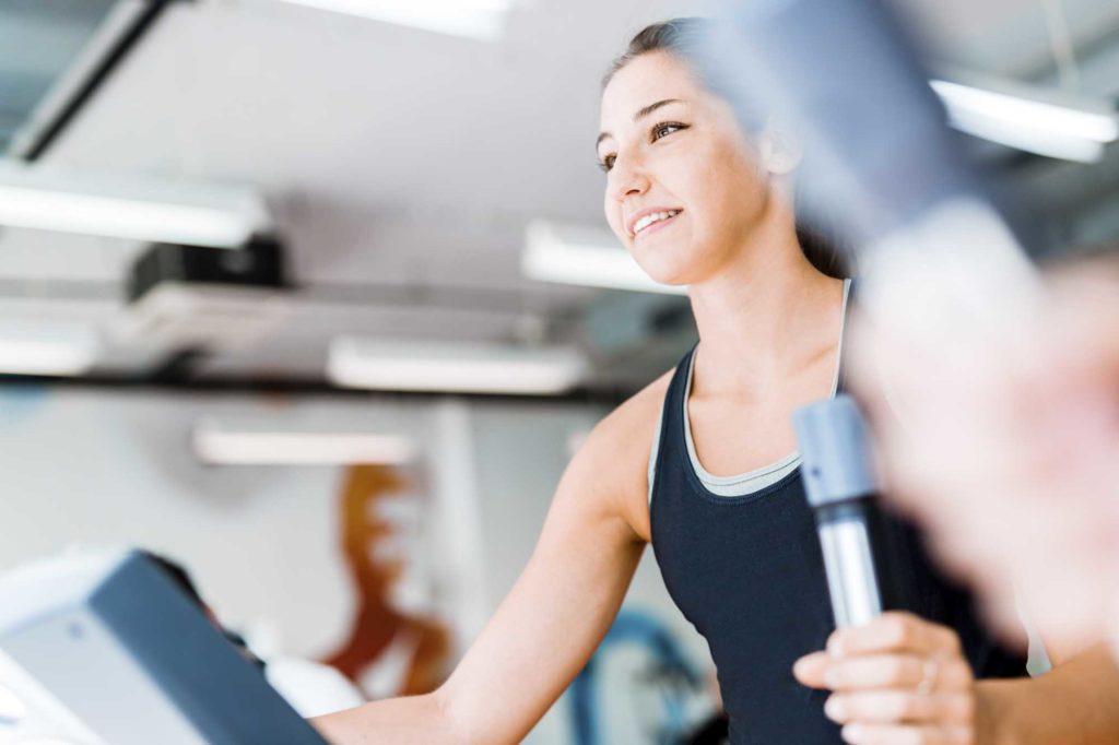 maquines-o-peses-quina-es-millor-gimnàs-zona-fitness-lleida